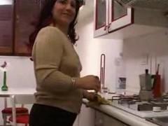 Casalingua Italiana in carne Italian chubby housewife
