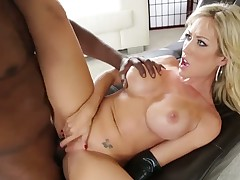 Lexington Steele enjoys studs pulsating meat pole unfathomable inside her love hole in interracial action