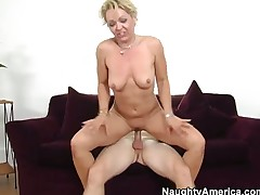 Blonde Kelly Leigh receives probed in the deadeye