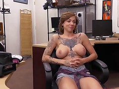 Harlow Harrison offers pussy for money