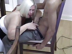 AGEDLOVE Granny chubby Lacey Starr met her friends