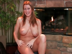 Curvy cutie gives a nude interview
