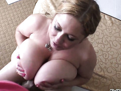 Naughty cutie Samantha Anderson and hot guy Manuel Ferrara are horny for each other